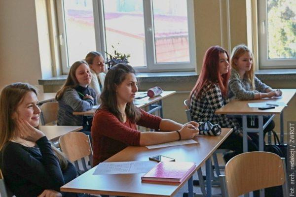 Ilu uczniów zgłosiło się do Gimnazjum i Hadlówki?