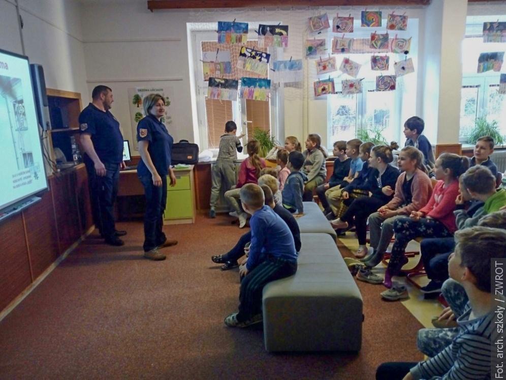 Z REDAKCYJNEJ POCZTY: Dzieci z Cierlicka spotkały się ze strażakami