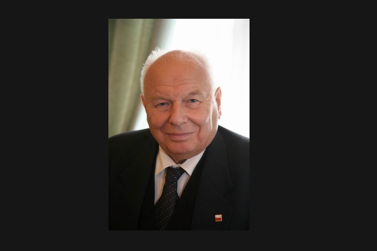 Senat jednogłośnie przyjął uchwałę upamiętniającą prof. Stelmachowskiego