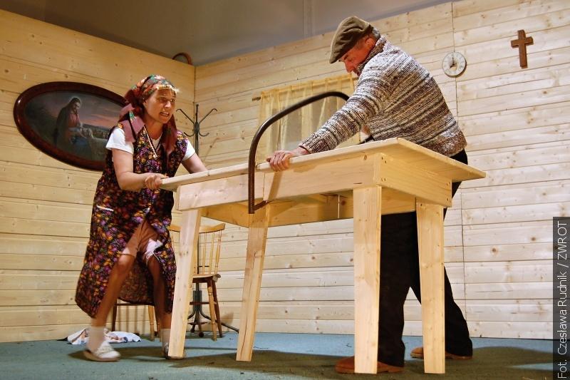 W Niedzielę Wielkanocną znowu cała Łomna bawiła się na przedstawieniu teatralnym