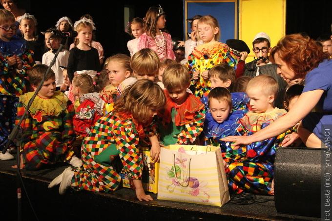 Wspaniałe jubileusze obchodziły placówki z Sibicy. 145-lecie szkoła a 100-lecie przedszkole (zdjęcia)