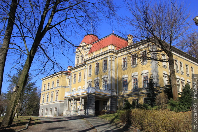 Spacery ze Zwrotem: Pałac w Kończycach Wielkich