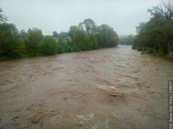 AKTUALIZACJA.Poziom wody w Olzie podnosi się dramatycznie