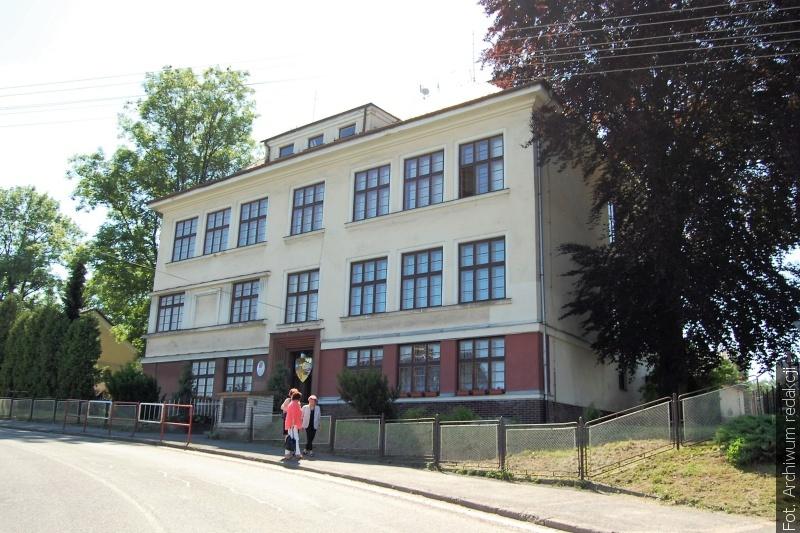 Z poczty redakcyjnej: W dolnolutyńskiej szkole uczczono pamięć ofiar II wojny światowej