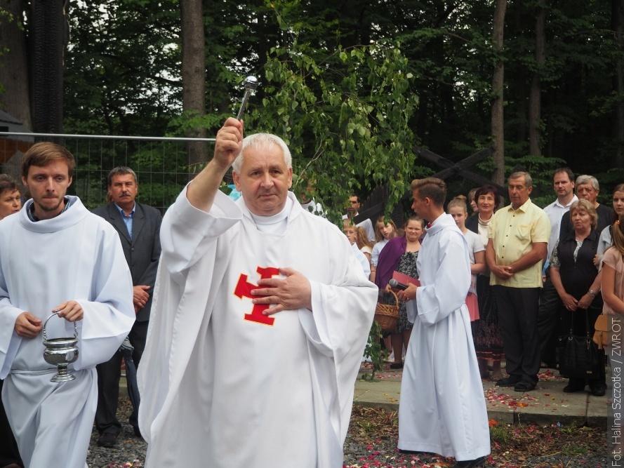 W niedzielę w Gutach poświęcono miejsce, na którym stanie kościółek