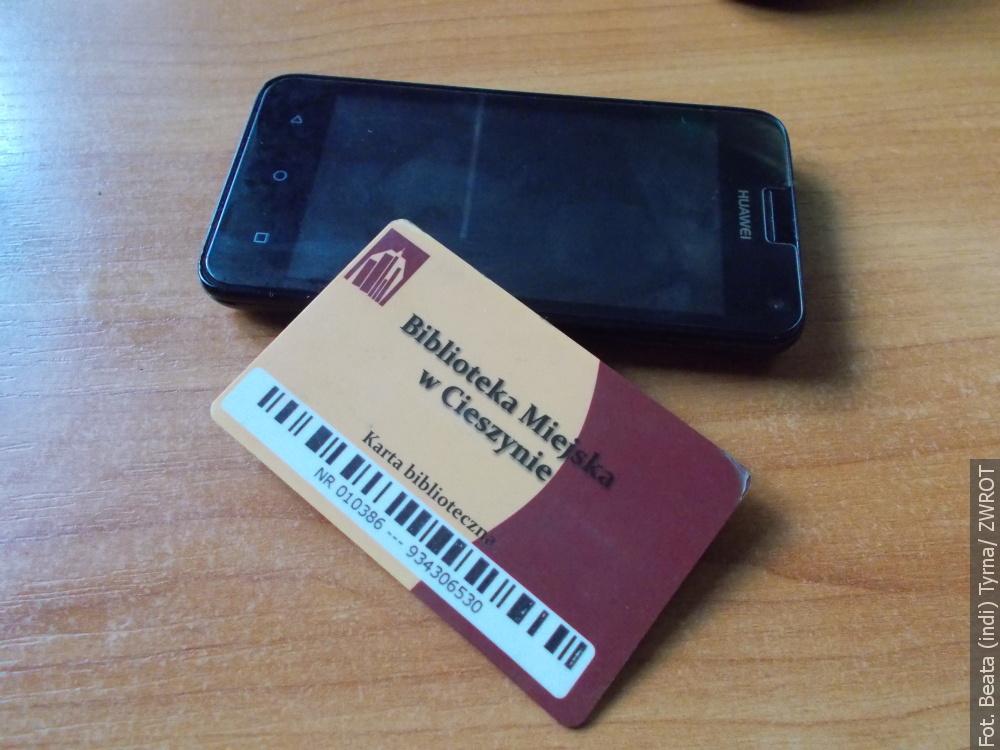 W Cieszynie do biblioteki ze smartfonem zamiast karty bibliotecznej
