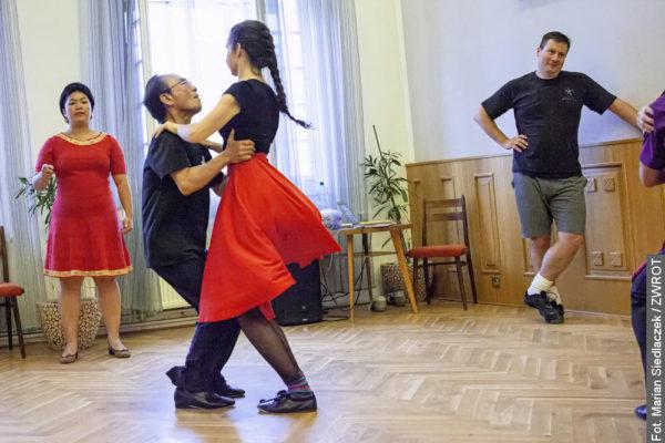 Jak się tańczy trojoka z japońskim akcentem