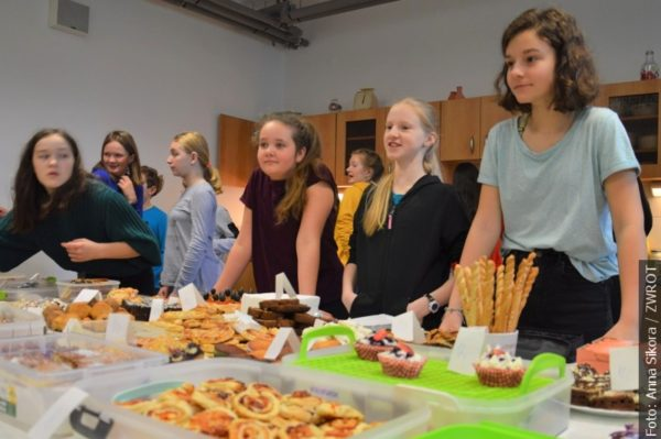 Dzieci z Jabłonkowa zebrały 120 plecaków i tornistrów dla biednych rówieśników