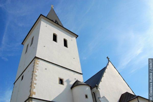 Z wieży frysztackiego kościoła obejrzeć można będzie wieczorną Karwinę