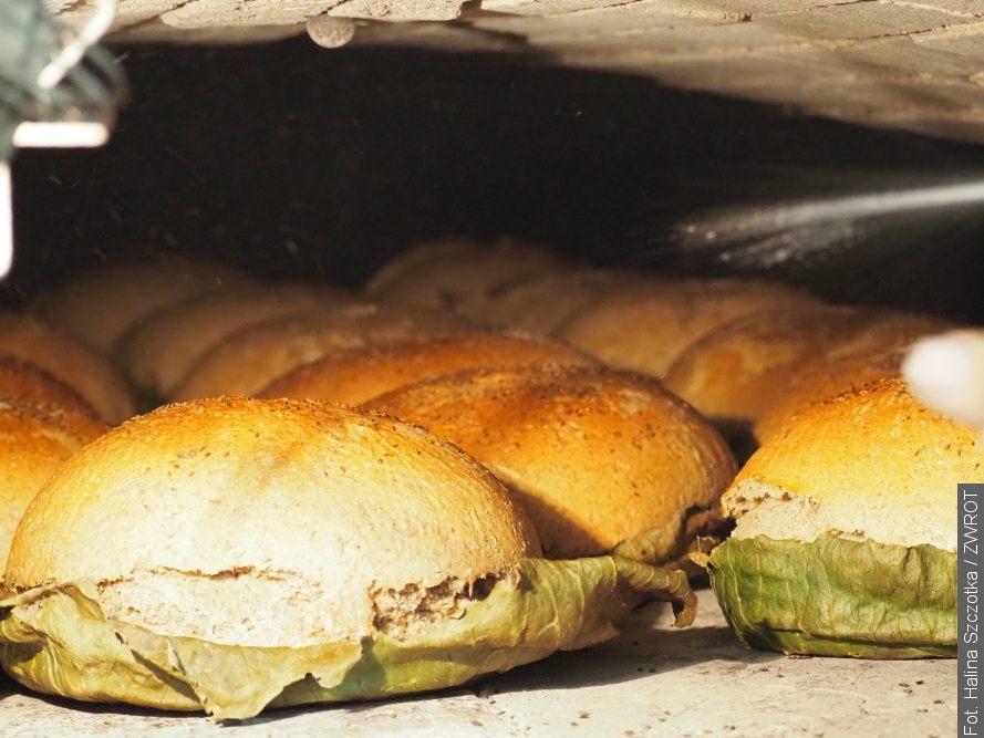 W Gutach pieką chleby na Dożynki