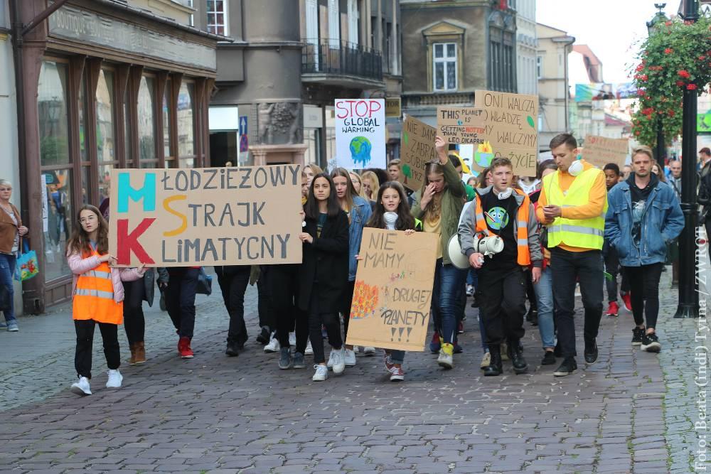 Młodzież strajkowała przeciwko zmianom klimatu również w Cieszynie