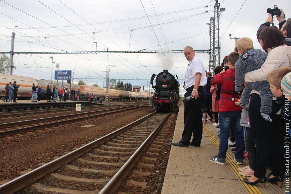 📷📽Z Bogumina do Nawsia można było pojechać zabytkowym pociągiem