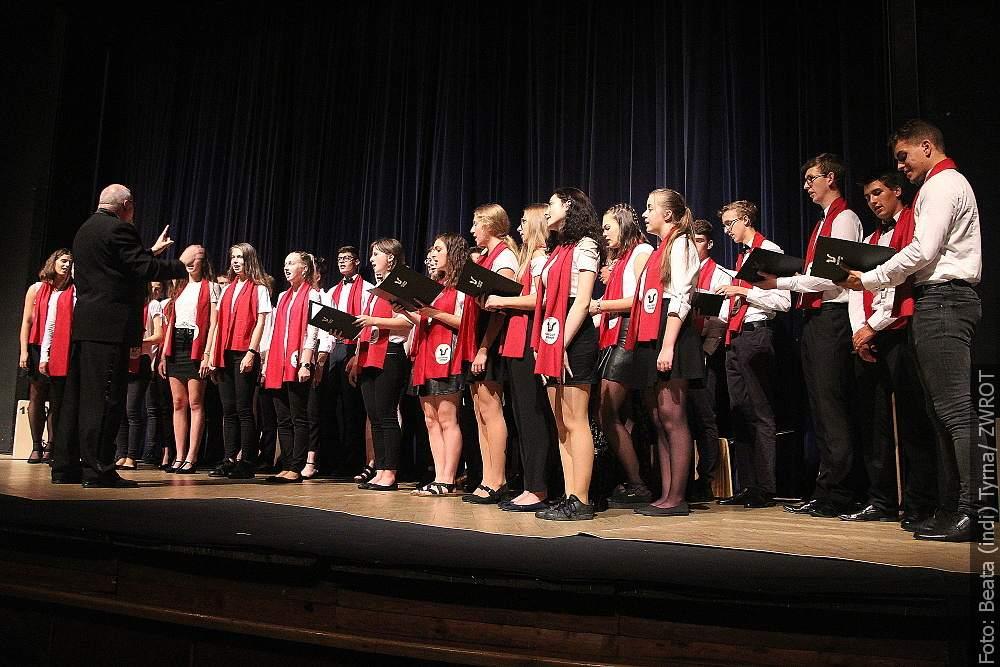 Uczniowie Gimnazjum im. Juliusza Słowackiego wkroczyli w nowy rok szkolny