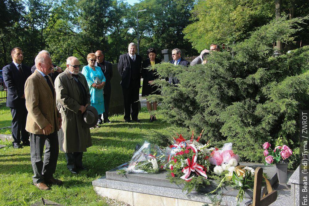 Uczcili rocznicę śmierci doktora Olszaka