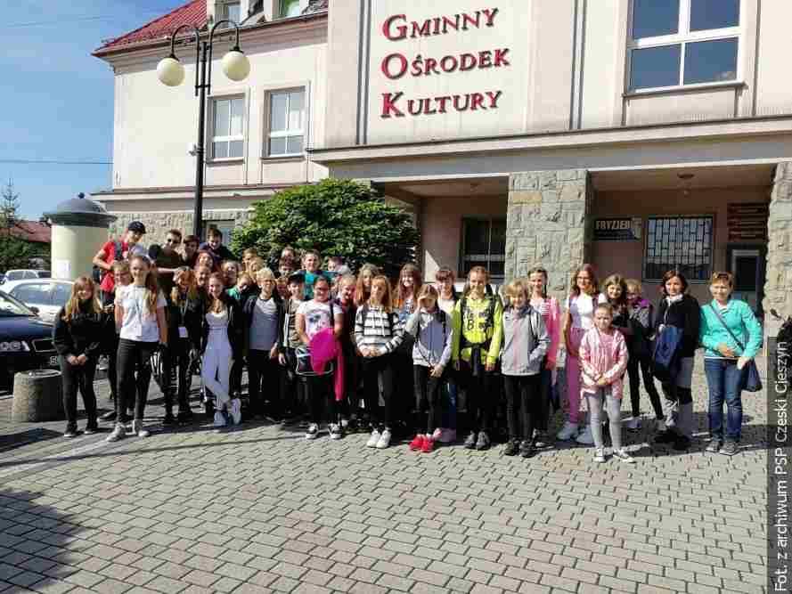 Młodzież z Czeskiego Cieszyna odwiedziła uczniów z Cisownicy i Dzięgielowa