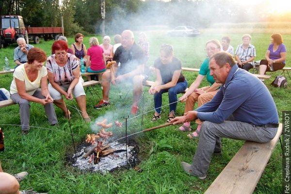 Wierzniowiccy pezetkaowcy rozpalili Ognisko pod Dymbinóm