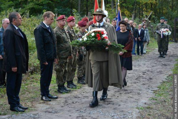 18 września 1939 w Karwinie zamordowano 12 Polaków