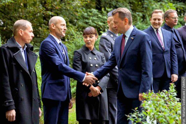 📷  Ministrowie spotkali się dziś na Żwirkowisku