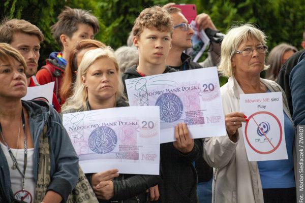 📷 W Cieszynie protestowano przeciwko budowie masztu