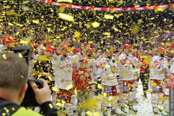 Wystawa zdjęć Roberta Kani przybliży mistrzowski sezon Stalowników