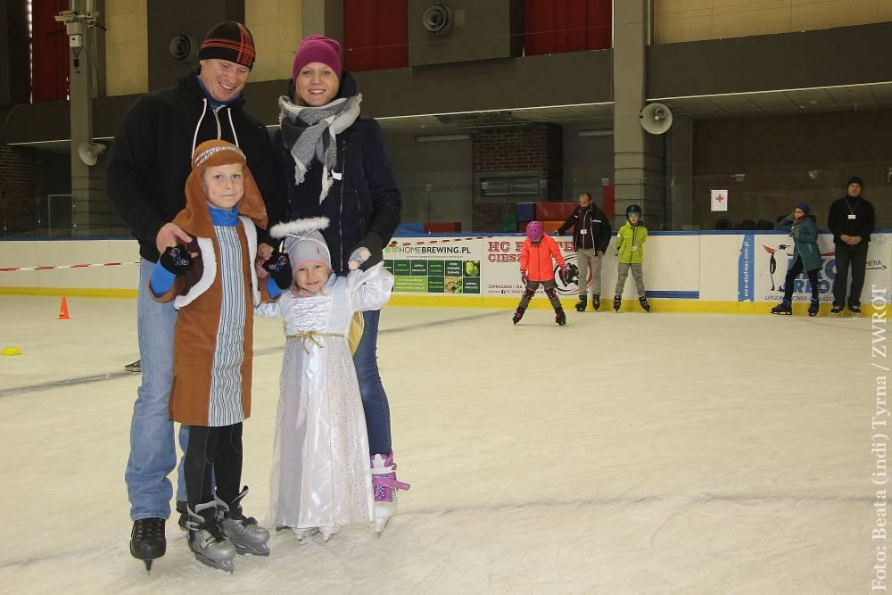 Holy Wins – Bal Wszystkich Świętych na lodzie