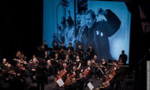 Koncert i wystawa karykatur Havla z okazji 30. rocznicy rewolucji aksamitnej