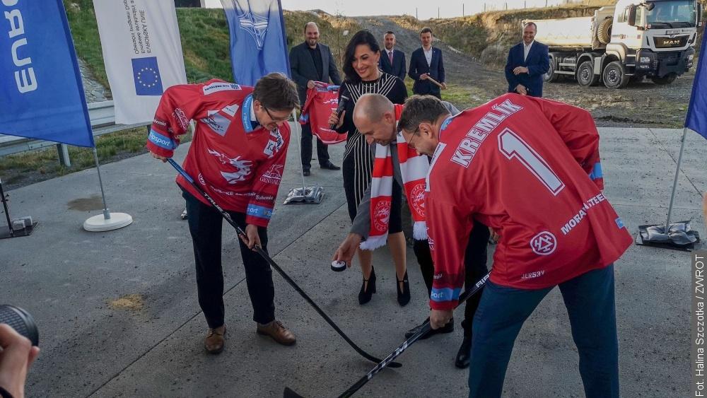 Rozpoczęli budowę nowej drogi w dresach Stalowników