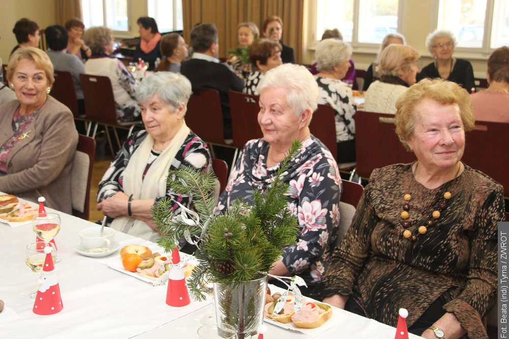 Przedświąteczne spotkanie nauczycieli emerytów
