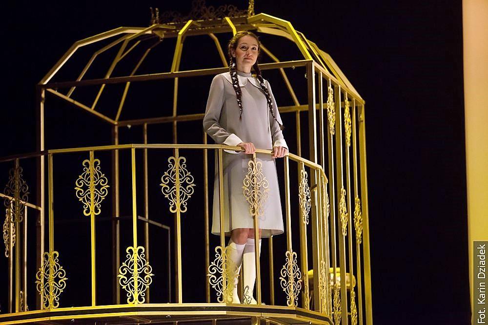 Na teatralne zderzenie wyobrażeń z rzeczywistością zaprasza Scena Polska