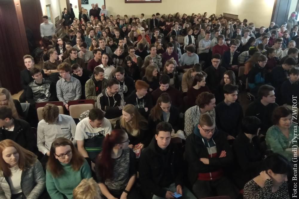 Uczniowie gimnazjum zakończyli półrocze na Strzelnicy
