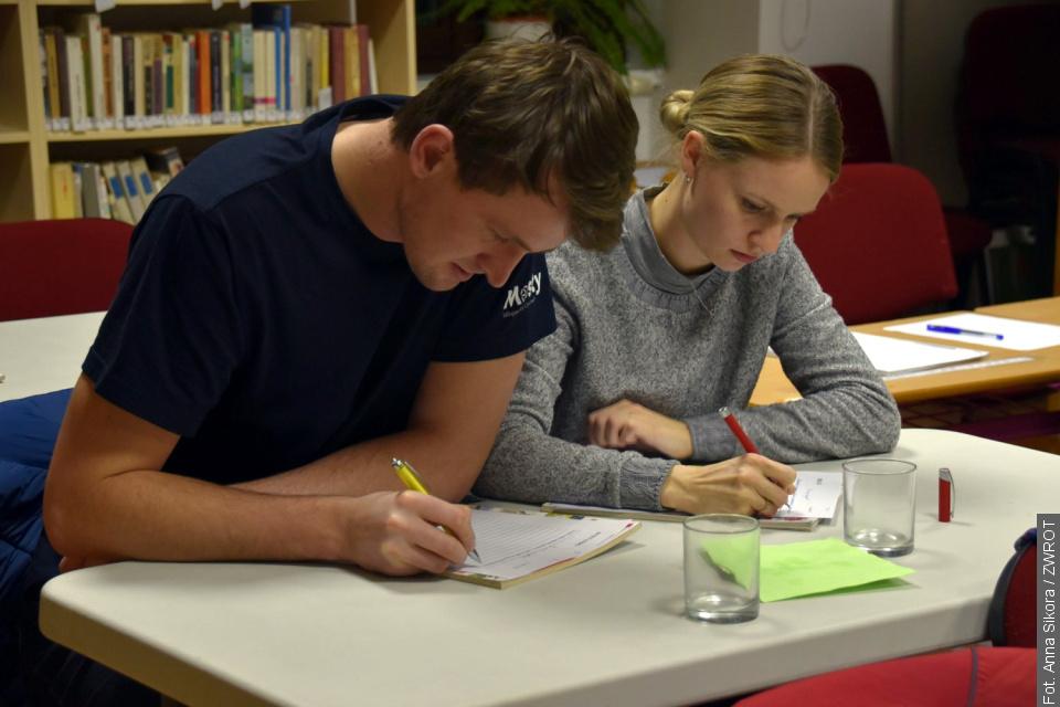 W mosteckiej bibliotece zmagano się z ortografią