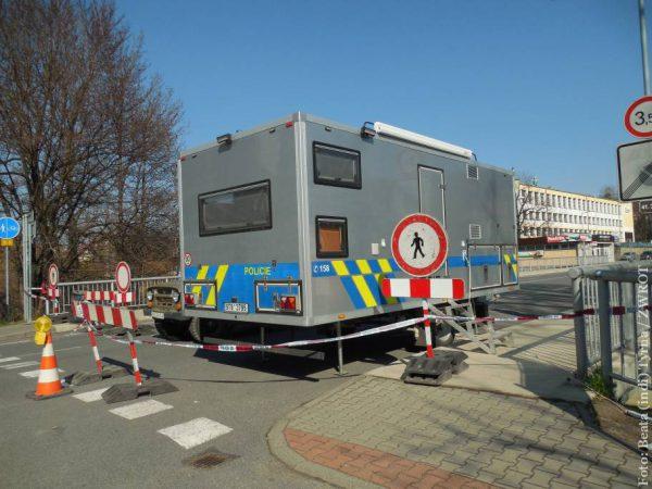 Czesi otwierają w południe granice. Ta z Polską zostaje zamknięta