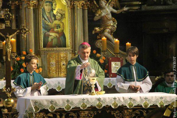 Gdzie można oglądać transmisje mszy i nabożeństw