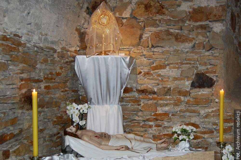 Uroczystości Wielkiego Tygodnia będą bez wiernych, procesje być może we wrześniu