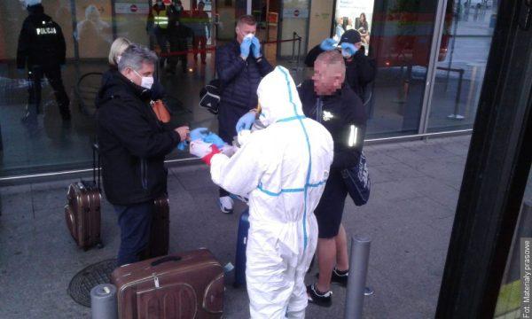 Strażacy zapewnili transport czeskich obywateli z Polski