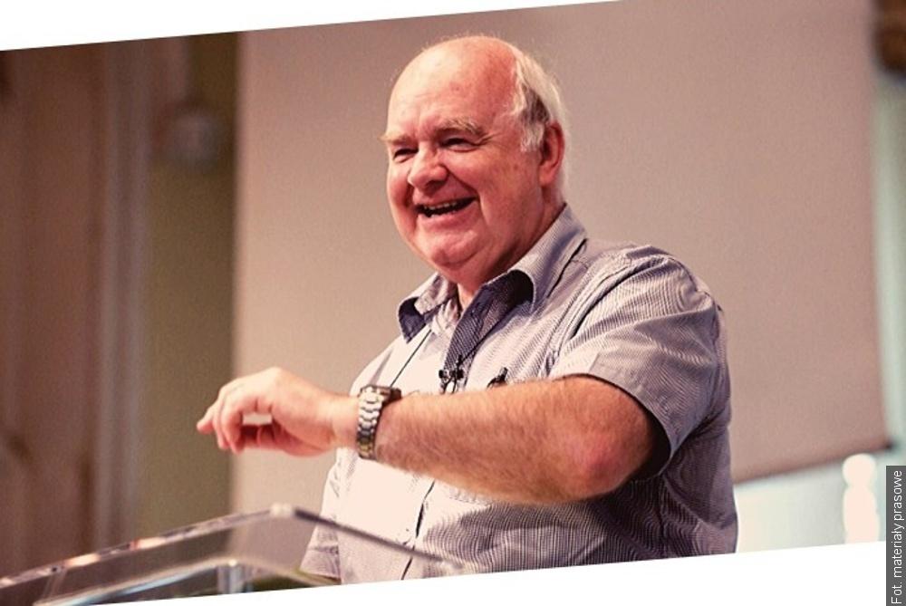 Prof. Lennox odpowie w Trzyńcu na pytanie, czy nauka i wiara wzajemnie się wykluczają