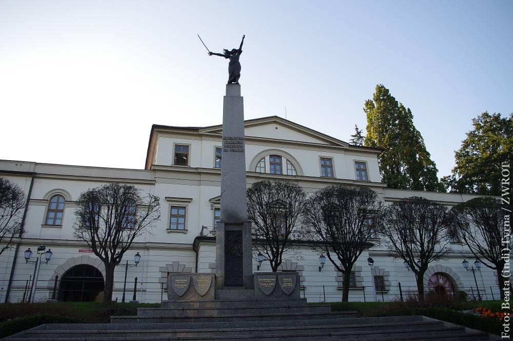 Spacery ze Zwrotem: Pomnik Ślązaczki