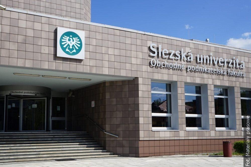 Uniwersytet w Karwinie ma nowoczesne sale wykładowe