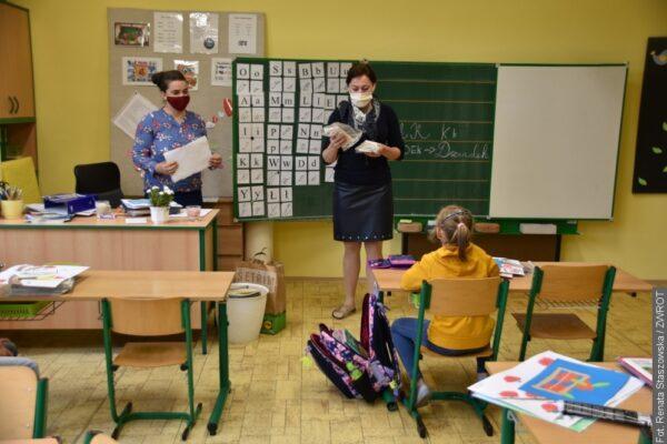 Prymula apeluje do szkół, żeby w piątek ogłosiły dzień wolny od nauki