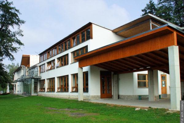 Szukają osoby na stanowisko dyrektora szkoły w Gnojniku