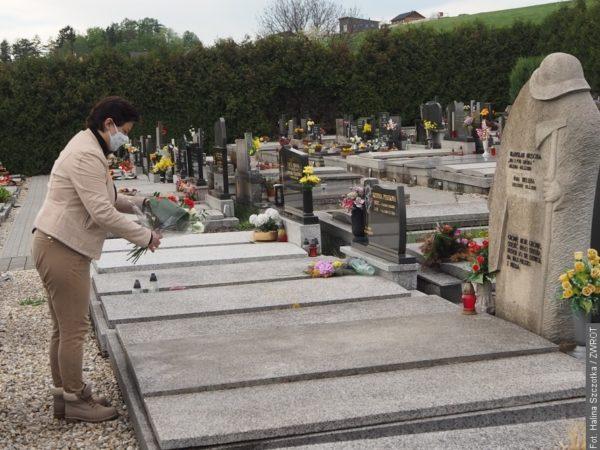 Konsul generalna odwiedziła groby działaczy polskich