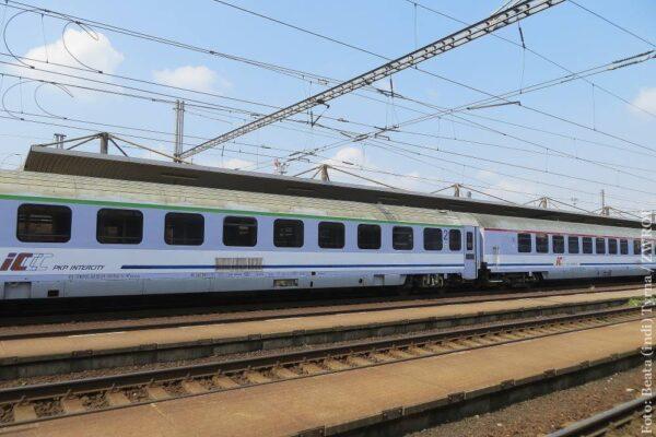 W poniedziałek ruszą pociągi między Czechami i Polską. Jakie zasady przekraczania granicy?