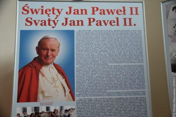 W Jabłonkowie można oglądać wystawę poświęconą papieżowi