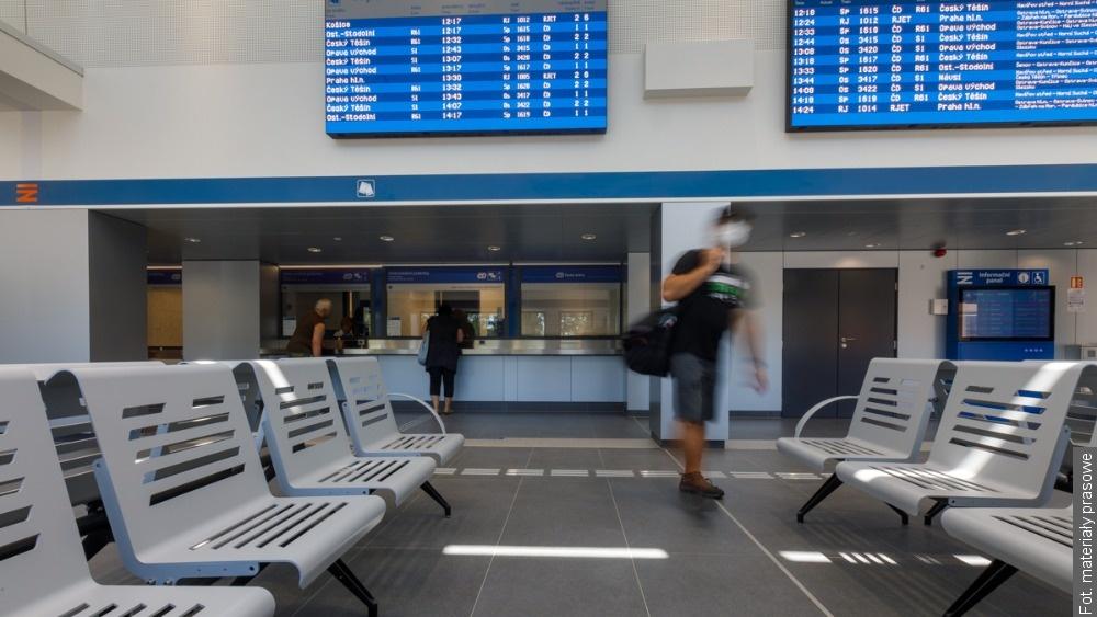 Podróżni w Hawierzowie mogą korzystać z nowej hali dworcowej