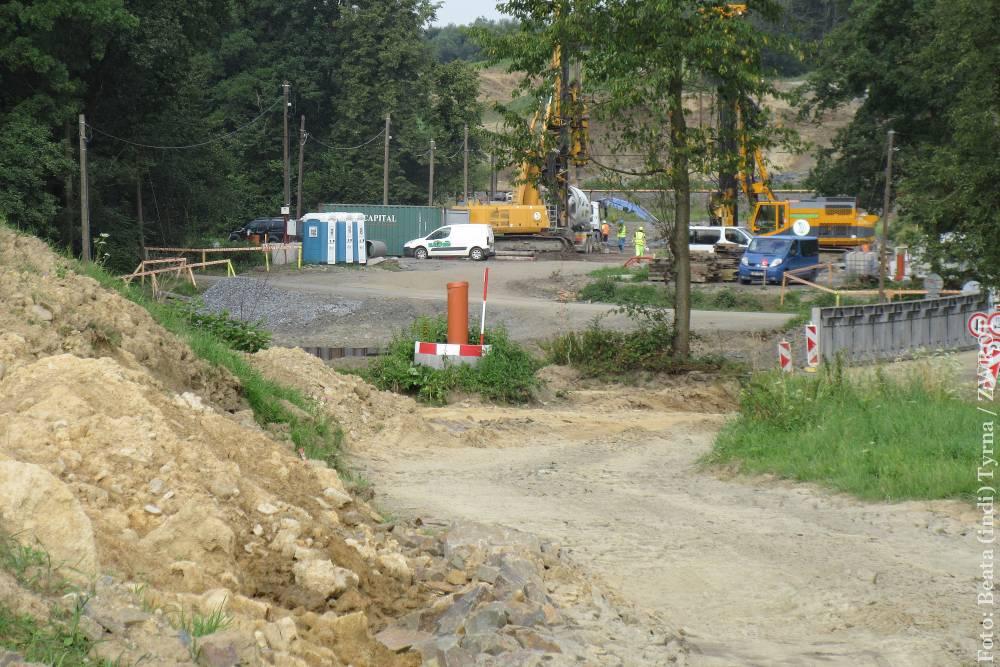Nad Ropiczanką będzie najdłuższy most na całym odcinku obwodnicy Trzyńca