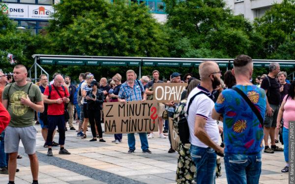 Ostrawa nie milczy. Poniedziałkowy protest przeciwko działaniom ministra Vojtěcha i sanepidu