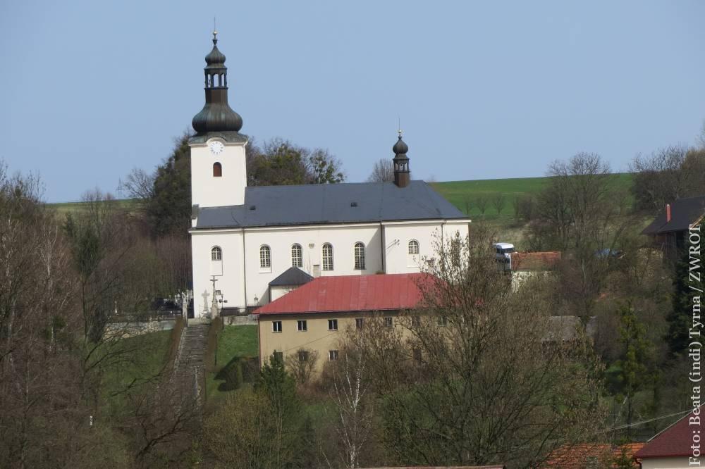 Spacery ze Zwrotem: kościół św. Stanisława w Bruzowicach