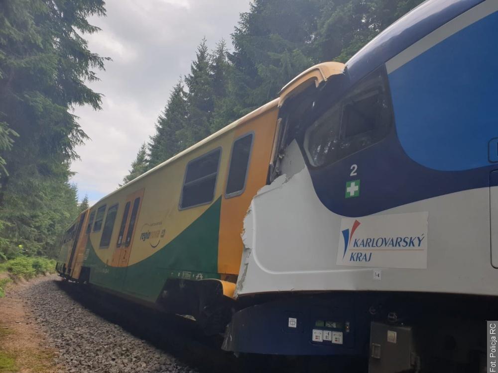 Zderzenie dwu pociągów w Czechach. Są ofiary śmiertelne
