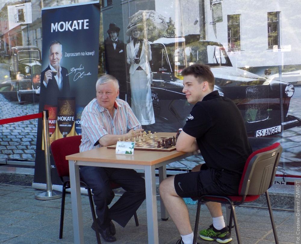 Arcymistrz szachowy Anatolij Karpow w Ustroniu