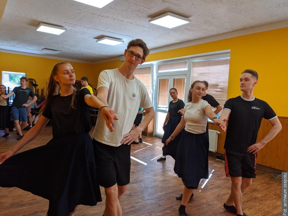 Tancerze z Błędowic w Ligotce Kameralnej przygotowywali się do występów